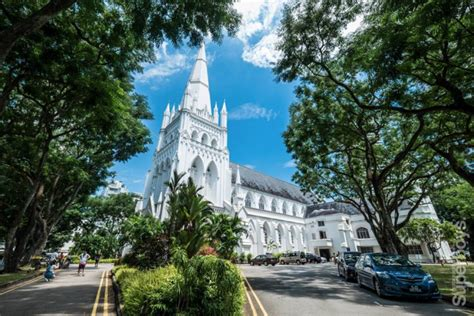 10 Beautiful Religious Buildings That Highlight Singapore