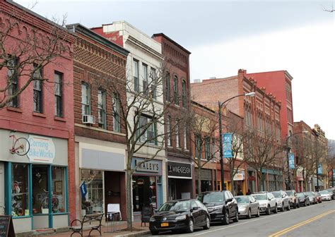 24 hours in corning, new york - the lazy travelers